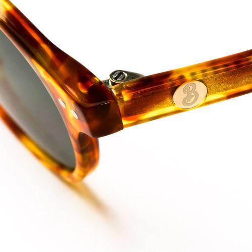 Beatnik solglasögon i färgen AMBER GOLD